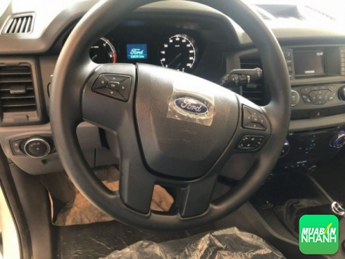 Trang thiết bị nội thất Ford Everest Ambiente 2018
